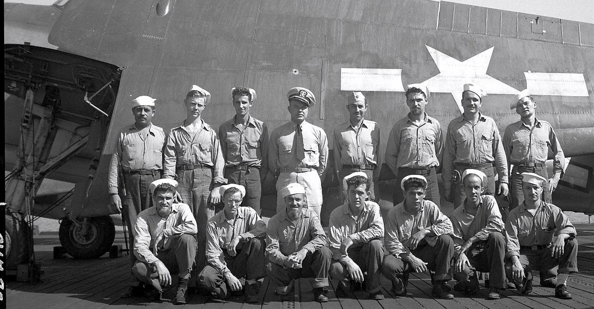 Populaire Crew Photos | USS GAMBIER BAY / VC-10 ASSOCIATION HZ77